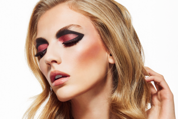 Deck of Scarlet Releases Palette with Vlogger Sonjdra Deluxe