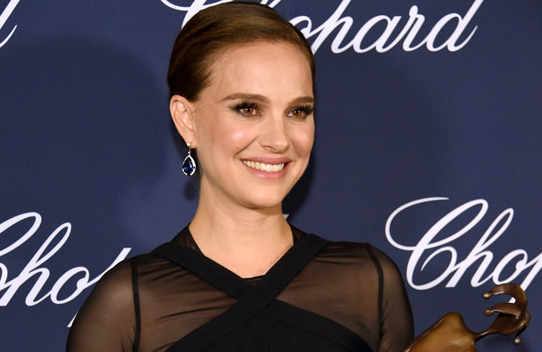 Natalie-Portman-Palm-Springs-International-Film-Festival-2016-Red-Carpet-Fashion-Christian-Dior-Tiffany